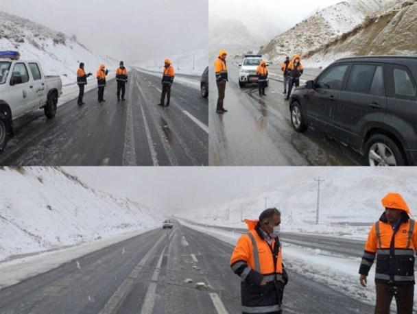برفروبی مسیر یاسوج کاکان در اولین برف پاییزی+فیلم