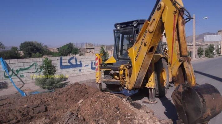 اعتراض شدید رئیس شورای شهر لنده به وضعیت کنده کاری های سطح شهر+تصاویر