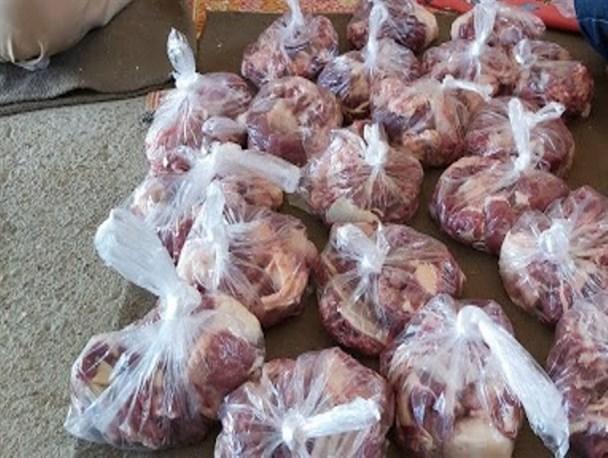 توزیع  ۲۲۵ کیلو گوشت قربانی در بخش دیشموک شهرستان بهمئی