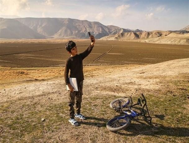 """کوهنوردی دانشآموزان دیشموکی برای رسیدن به """" شاد""""ی که سرعت لاکپشتی دارد"""