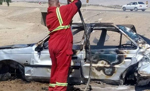 آتش، خودروی پژو را در محور دهدشت -پاتاوه بلعید+تصاویر